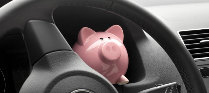 Siete trucos para ahorrar mientras conducimos