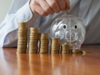 Aportaciones periódicas a los planes de pensiones