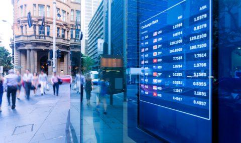 La banca y el petróleo impiden que la semana comience en positivo