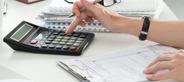 ¿Qué impuestos pagas al invertir en bolsa?