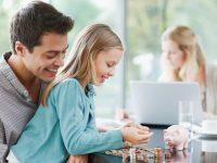 ¿A qué edad hay que empezar a hablar a los niños de dinero?