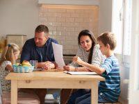 Papá y mamá, tenéis mucho que decir en la mentalidad financiera de vuestro hijo