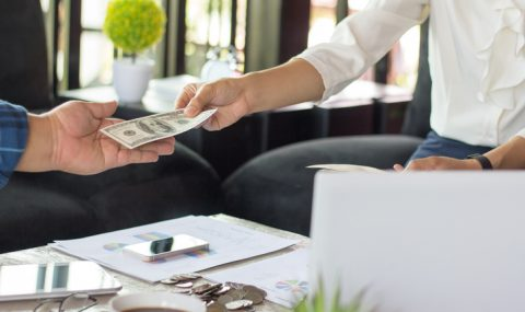 ¿Con qué frecuencia se pagan dividendos?