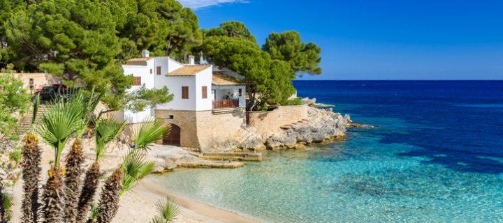 ¿Cómo sacar rentabilidad a tu casa de la playa todo el año?