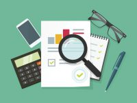 ¿Cómo afecta el apalancamiento operativo de una empresa al riesgo de mi inversión?