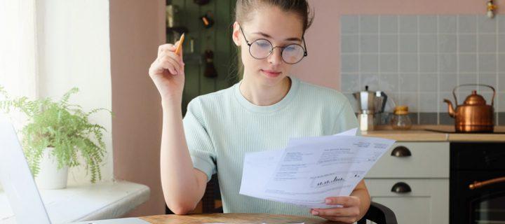 Ahorro juvenil: claves para no derrochar a partir de los 20